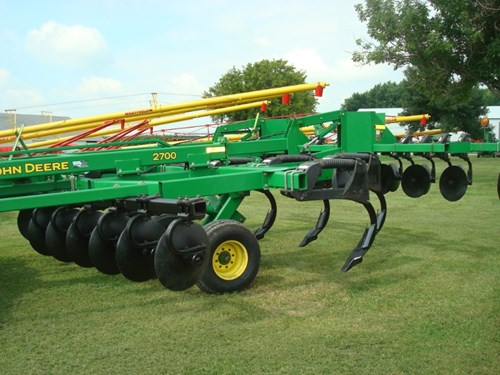 Rippers For Sale:  2013 John Deere 2700