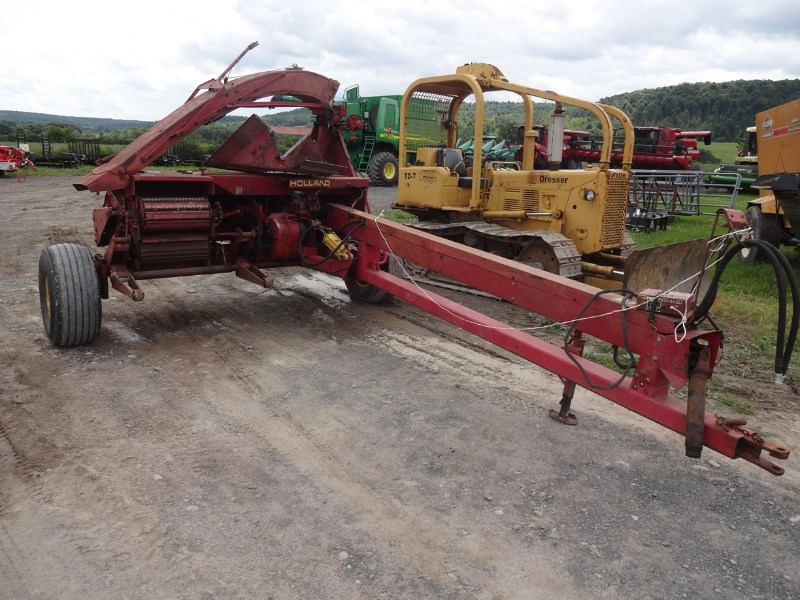 New Holland 892 Forage Harvester-Pull Type For Sale