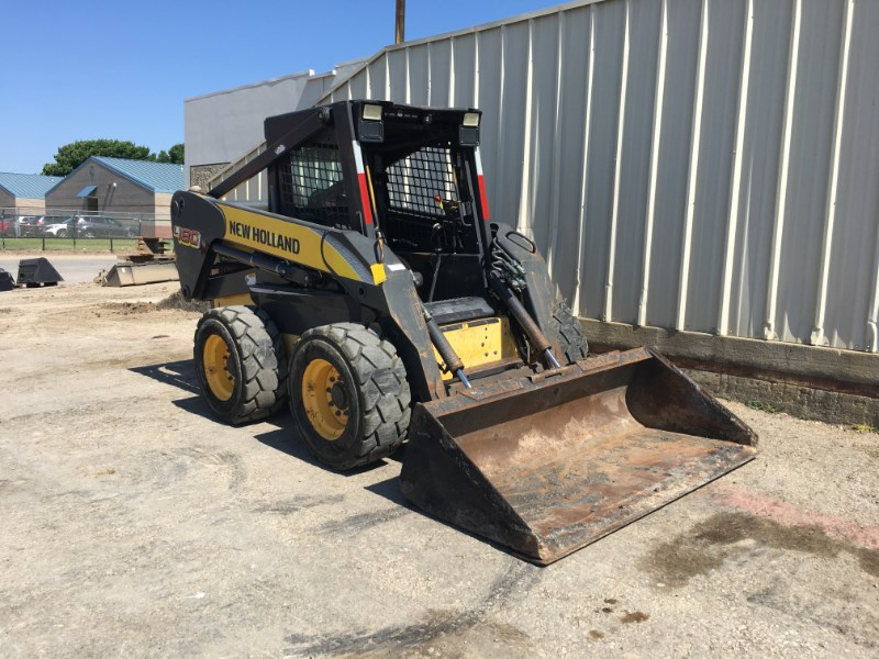 2006 New Holland L180 Skid Steer For Sale