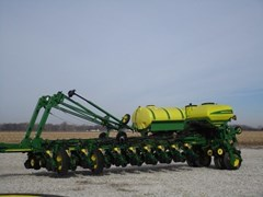 Planter For Sale 2010 John Deere 1770NT