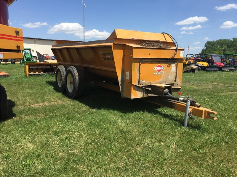 Knight 8018 Manure Spreader-Dry For Sale