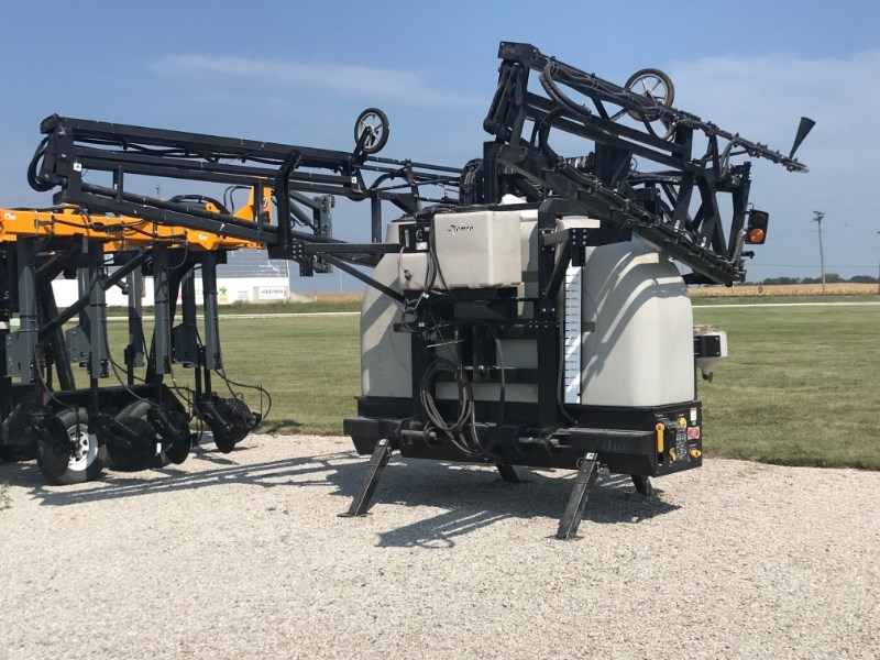 Demco RM600 Sprayer-3 Point Hitch For Sale