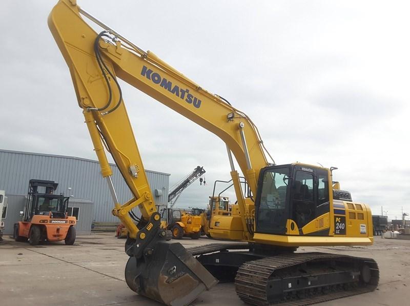 2018 Komatsu PC240LC-11 Excavator For Sale