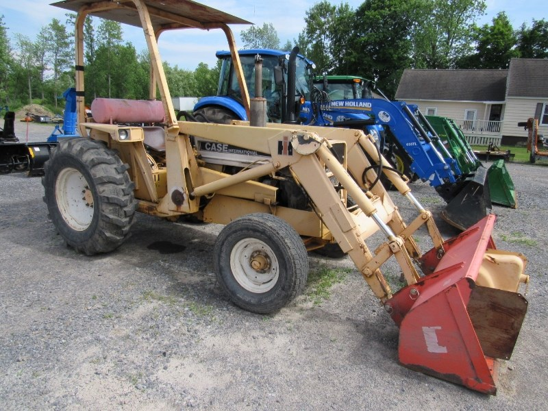 Case IH 2500B Tractor For Sale