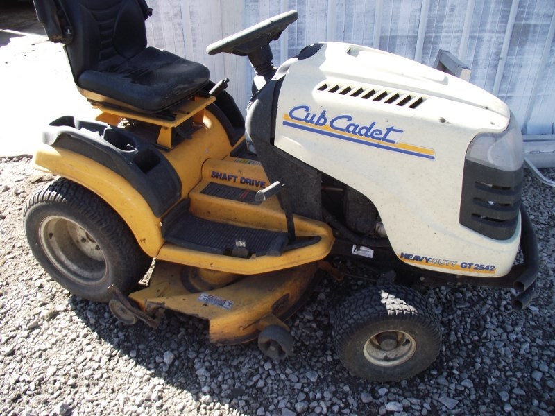 2008 Cub Cadet GT2542 Riding Mower For Sale