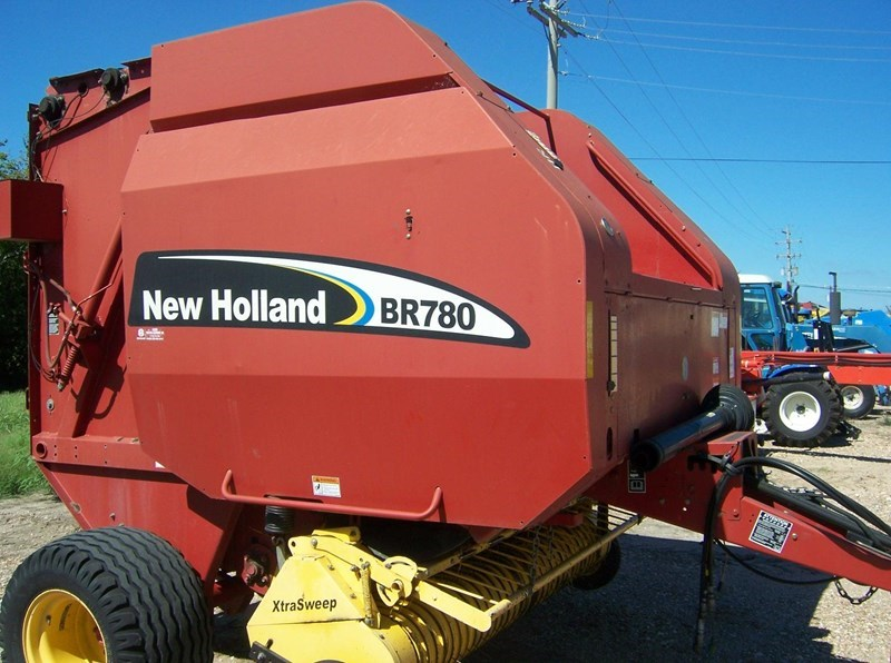 2005 New Holland BR780 Misc. Ag For Sale