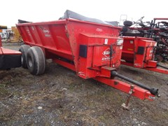 Manure Spreader-Dry/Pull Type For Sale 2015 Kuhn Knight 8124