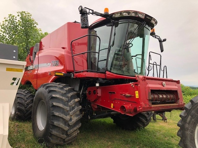 Case IH 7230 Combine For Sale