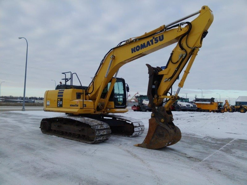 2013 Komatsu PC210LC-10 Excavator For Sale