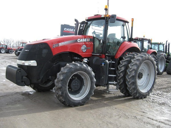 2013 Case IH MAGNUM 235 Tractor For Sale