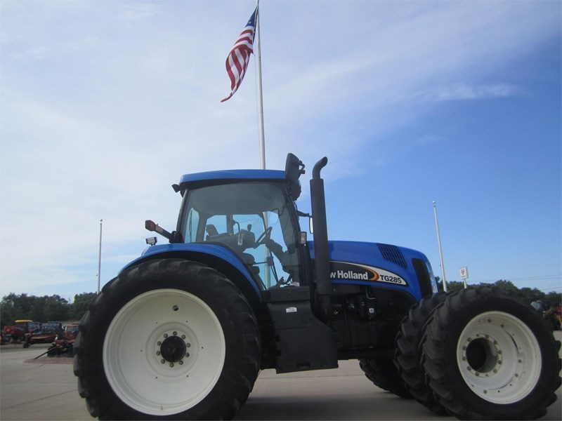 2003 New Holland TG285 Tractor For Sale