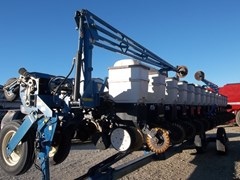 Planter For Sale 2004 Kinze 3650-16/31RN