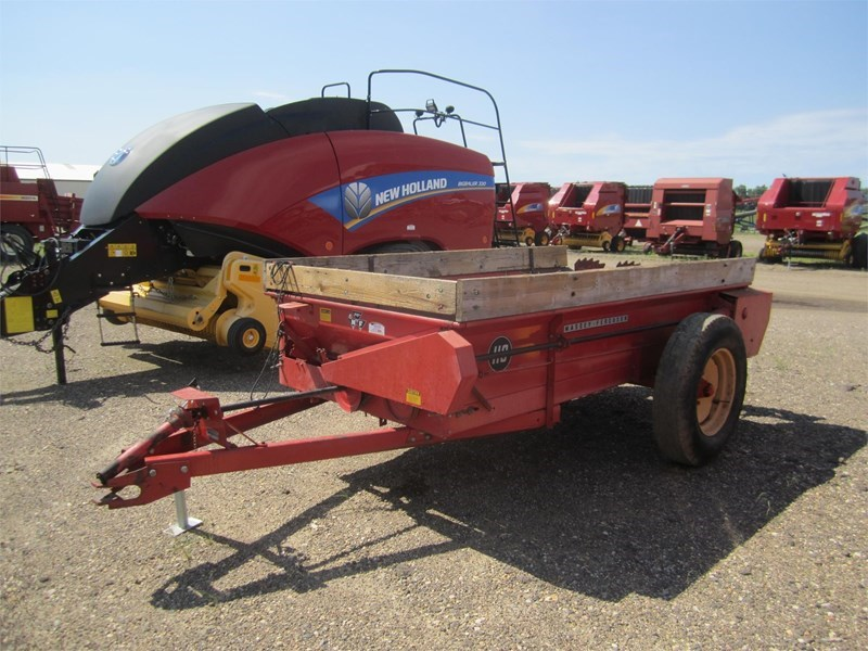 1973 Massey Ferguson 110 Manure Spreader-Dry For Sale
