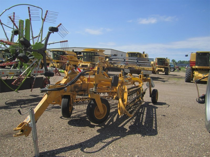 2007 Vermeer R2300 Tedder For Sale