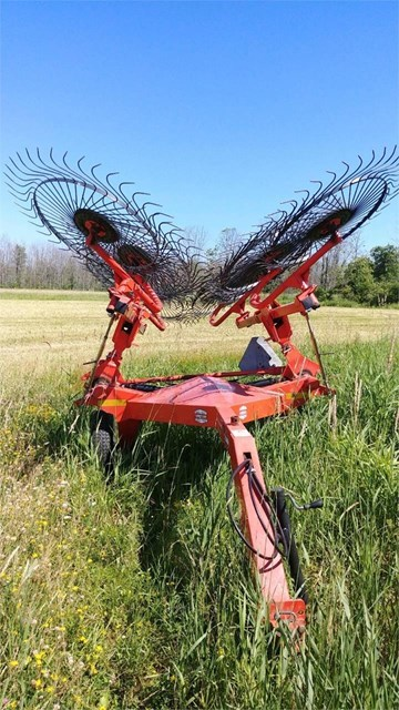 2011 Kuhn SR110 Hay Rake For Sale
