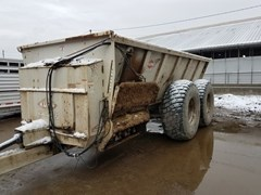 Manure Spreader-Dry/Pull Type For Sale 2009 Kuhn 8141