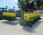 Planter For Sale: 1998 John Deere 1780