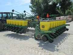 Planter For Sale:  1998 John Deere 1780