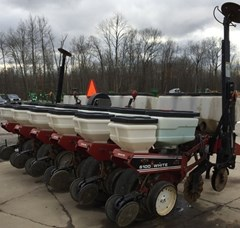Planter For Sale 1998 White 6106
