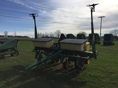 Planter For Sale 1987 John Deere 7200