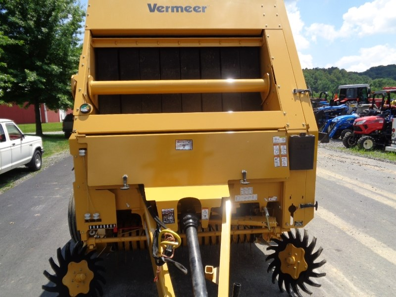2014 Vermeer 6650 Baler-Round For Sale