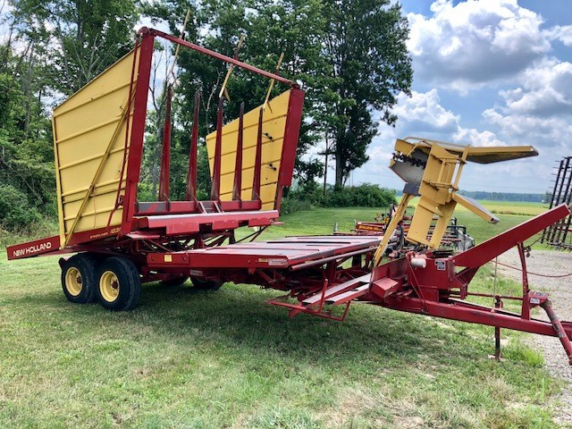 New Holland 1038 Stack Mover-Pull Type For Sale