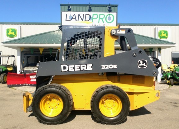 2016 John Deere 320E Skid Steer For Sale