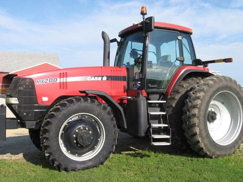 Tractor For Sale:  2002 Case IH MX200 , 200 HP