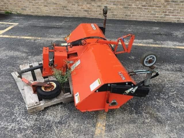 2005 Kubota L2176 Sweeper For Sale