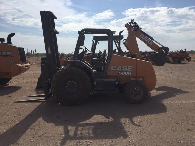 2018 Case 588H Lift Truck/Fork Lift-Rough Terrain