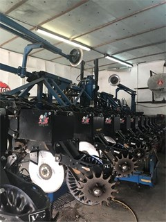 Planter For Sale 2006 Kinze 3600