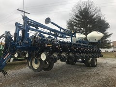 Planter For Sale:  2011 Kinze 3700