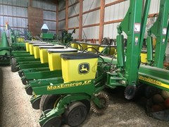 Planter For Sale:  2006 John Deere 1770NT