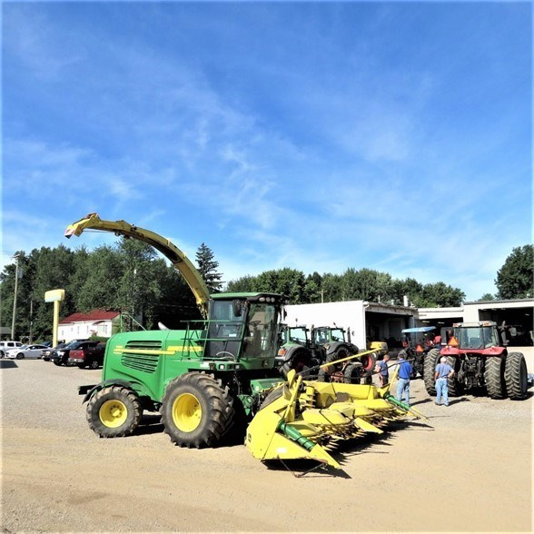 2010 John Deere 7450 Forage Harvester-Self Propelled For Sale