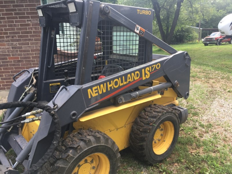 2000 New Holland LS170 Skid Steer For Sale