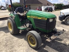 Tractor For Sale 2000 John Deere 4200 , 26 HP
