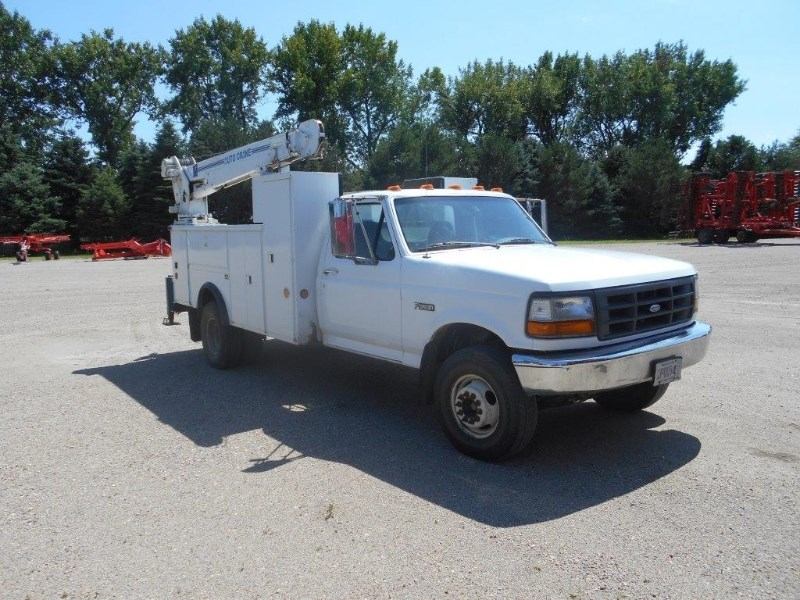1997 Ford F450, 239031 Miles, Hose Reel, No cracks/welds Camion de Servicios a la venta