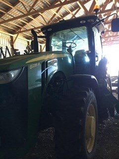 Tractor For Sale:  2013 John Deere 8235R , 235 HP