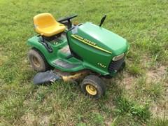 Riding Mower For Sale:  2001 John Deere LT133 , 13 HP