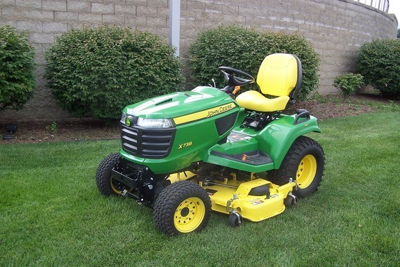 2013 John Deere X738 Riding Mower For Sale