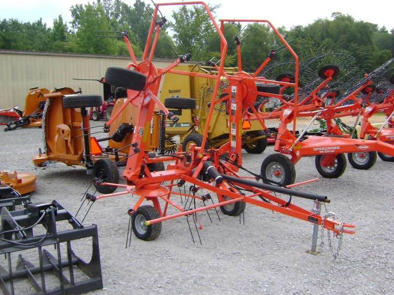 Kuhn gf5202tha Tedder For Sale