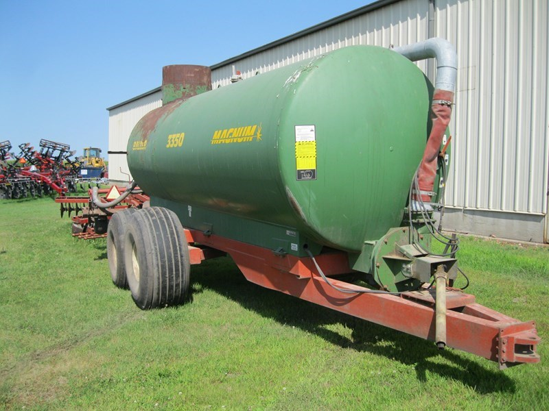 Balzer 3350 Manure Spreader-Liquid/Pull Type For Sale