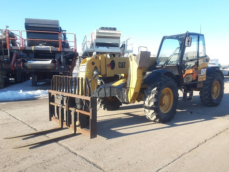 2006 Caterpillar TH460B Forklift For Sale