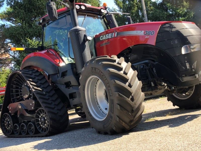 Case IH Magnum 380 Rowtrac Tractor For Sale