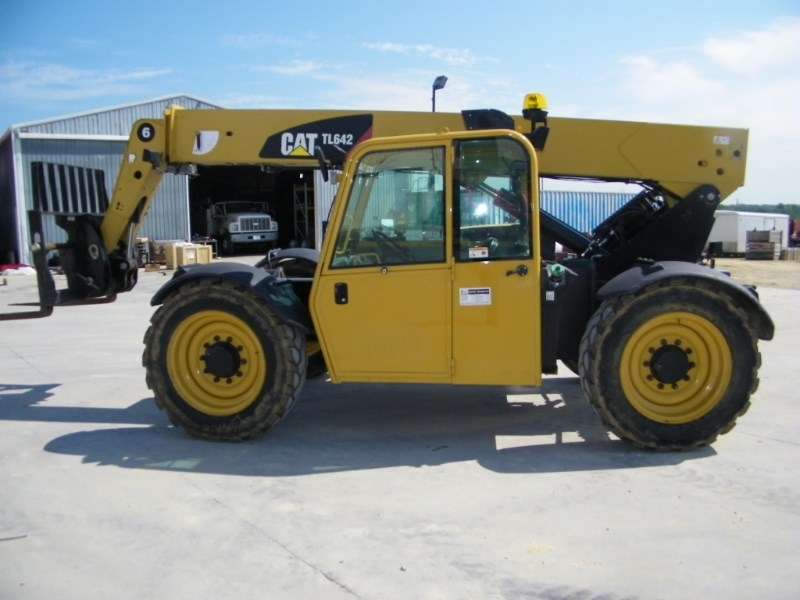 2013 Caterpillar 642 Telehandler For Sale