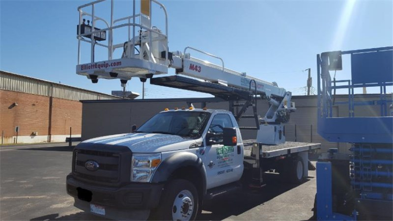 2015 Elliott M43 HiReach Bucket Truck