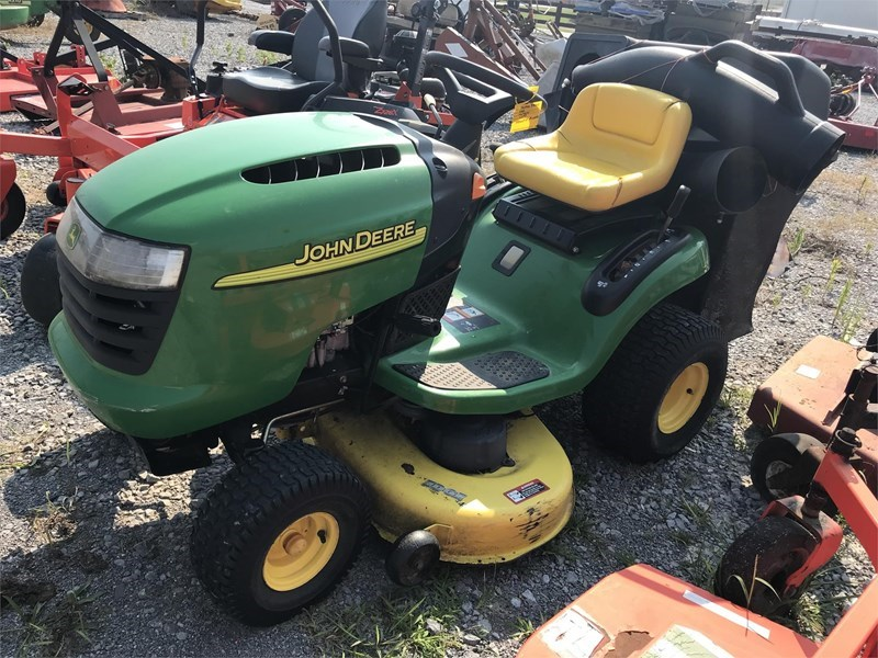 2004 John Deere L100 Riding Mower For Sale