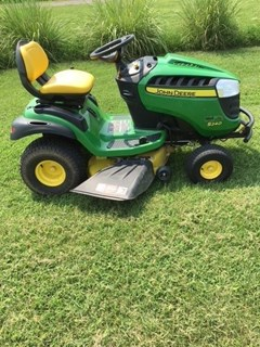 Riding Mower For Sale 2015 John Deere S240 , 18 HP
