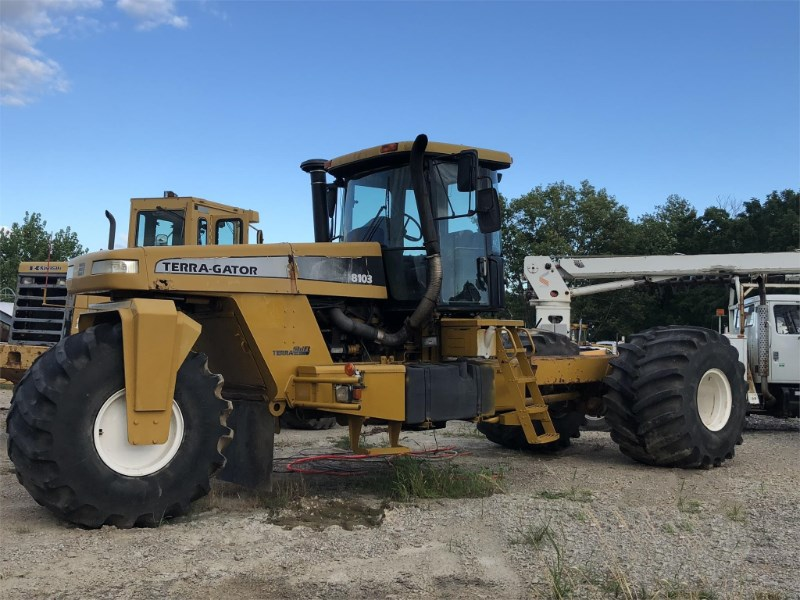 Ag-Chem Terra Gator 8103 Floater/High Clearance Spreader For Sale