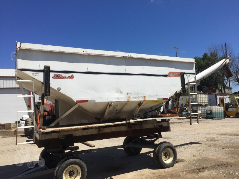 Willmar  Dry Fertilizer-Transport Auger Trailer For Sale
